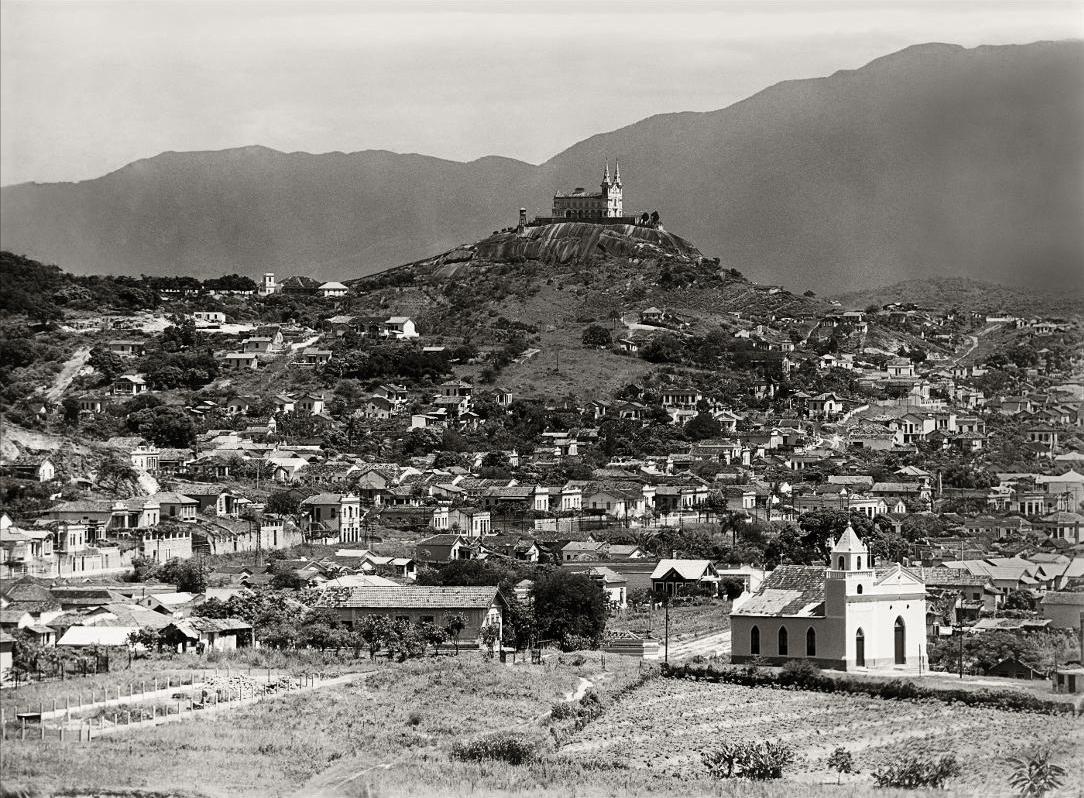 (2) Igreja de Nossa Senhora da Penha. Coleção Oliveira Reis. Acervo do Arquivo Geral da Cidade do Rio de Janeiro